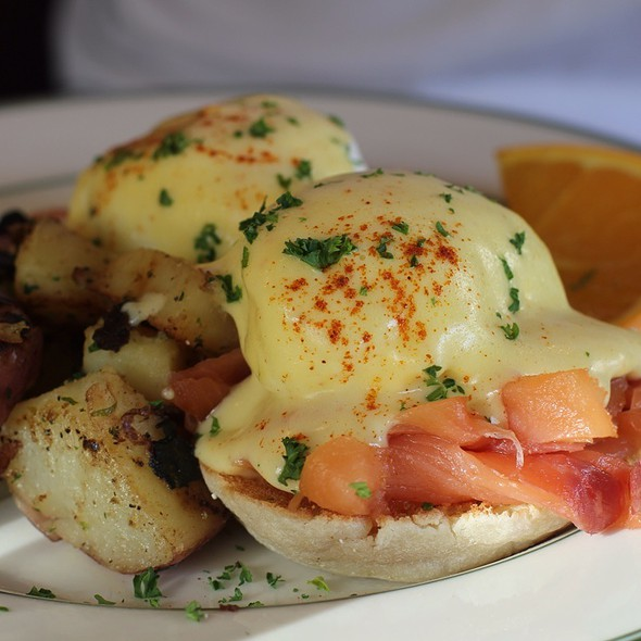 Smoked Salmon Eggs Benedict @ Mama's On Washington Square
