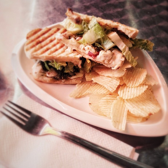 Chicken Pesto With Sun Dried Tomato Panini