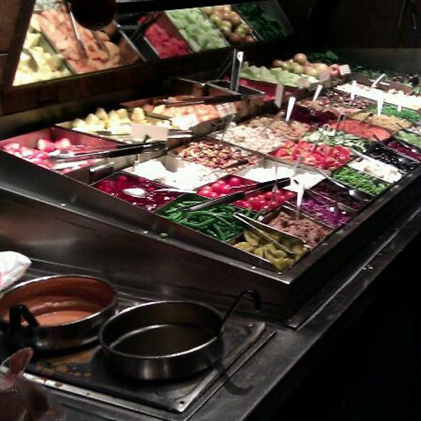 Salad Bar @ R J Grunts