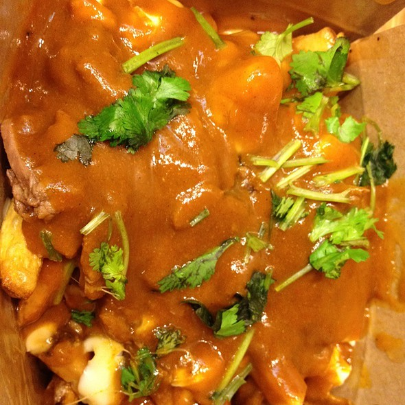Curry Beef Poutine