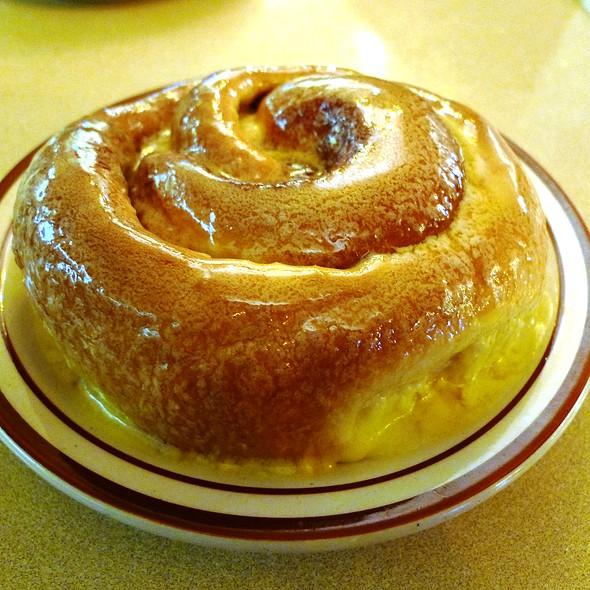 Frontier Sweet Roll @ Frontier Restaurant