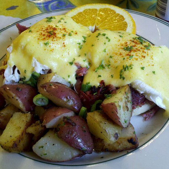 Corn Beef Hash Eggs Benedict @ Mama's On Washington Square