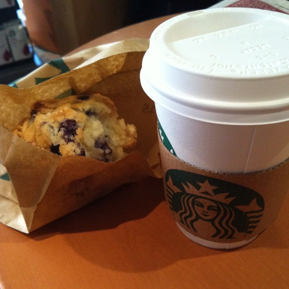 Caffé Latte And Blueberry Muffin @ Starbuck's