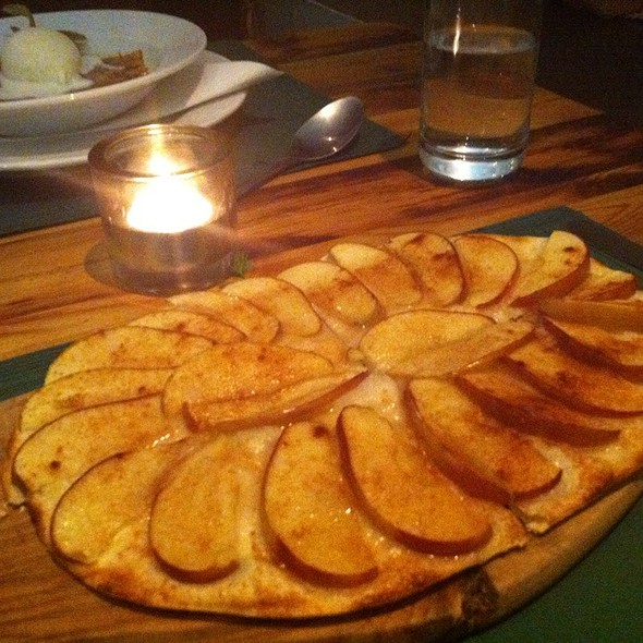 Apple Tart With Calvados @ L'Art du Fromage