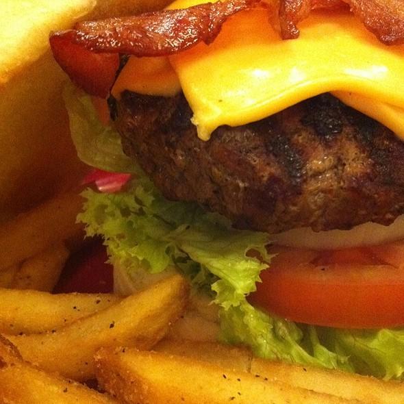 Bacon Cheeseburger @ TGI Friday's