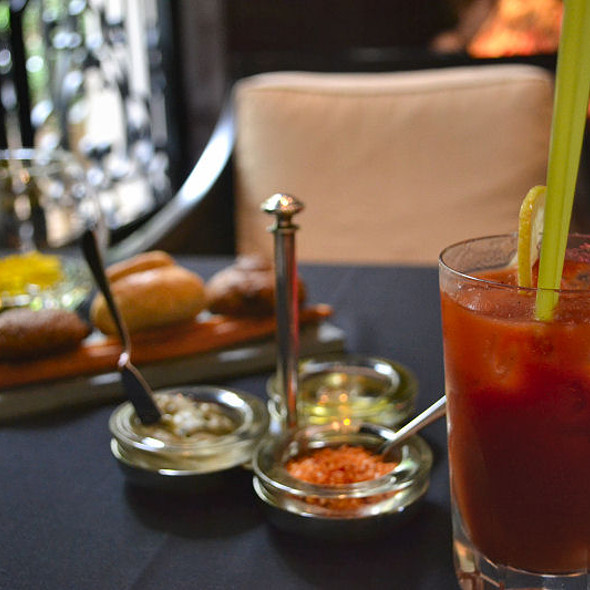 Bloody Mary @ Algodon Mansion