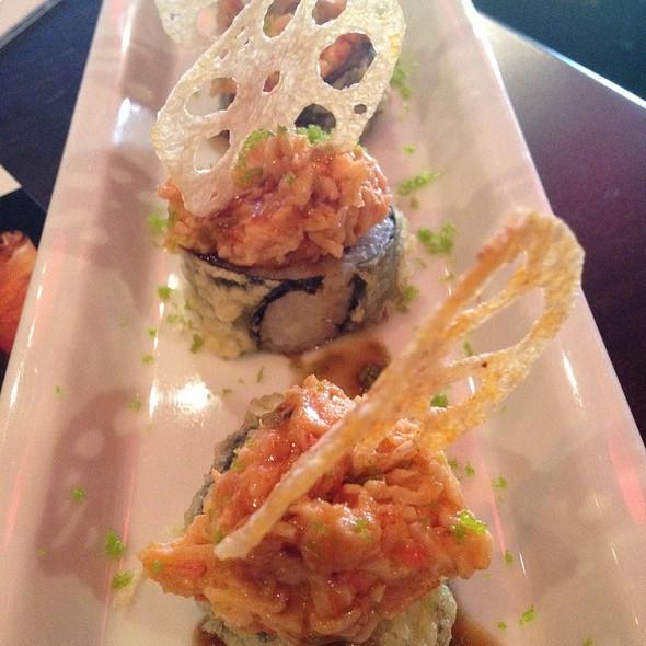 Viva Las Vegas Roll @ Ra Sushi Bar Restaurant