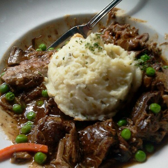 Slow Cooked Pot Roast @ The Pub Tampa
