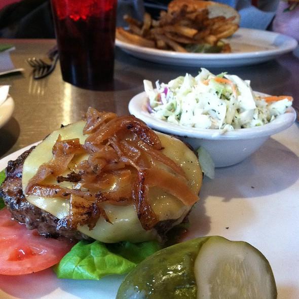 Fargo Burger @ Fargo Bar And Grill