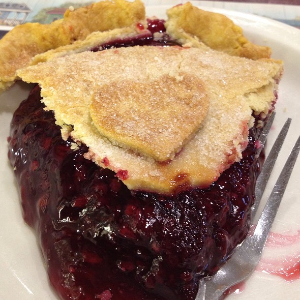blackberry pie @ Yoder's Restaurant
