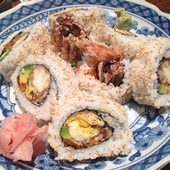 soft shell crab roll @ Sakura
