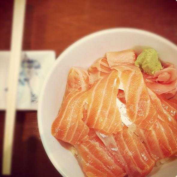 Salmon Donburi @ Miyatake