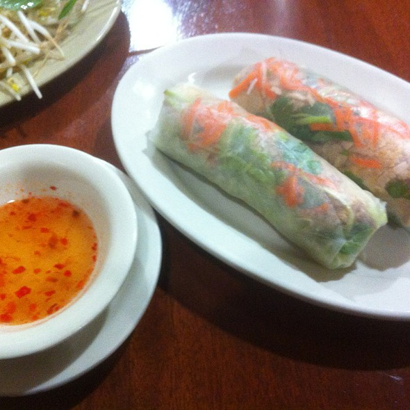 Goi Cuon Thit Nuong ( Grilled Pork Spring Rolls )