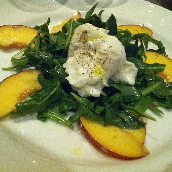 Burrata And Fig Salad - Vertical Wine Bistro