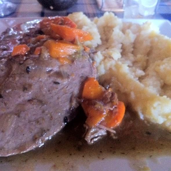 Carne Mechada con Puré @ Don Benito