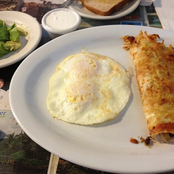 Bacon Hashbrown Sandwich @ Art's Cafe