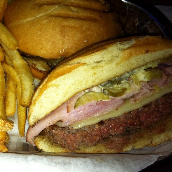 Cuban Burger w/Fries @ ESPN Club