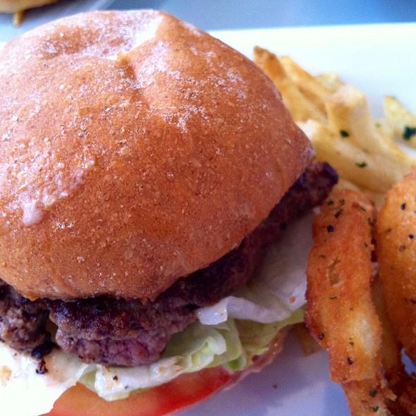Baby Burger @ Burger Lounge | Coronado