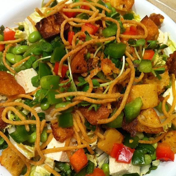 Asian Chop Chop Salad @ Schnipper's Quality Kitchen