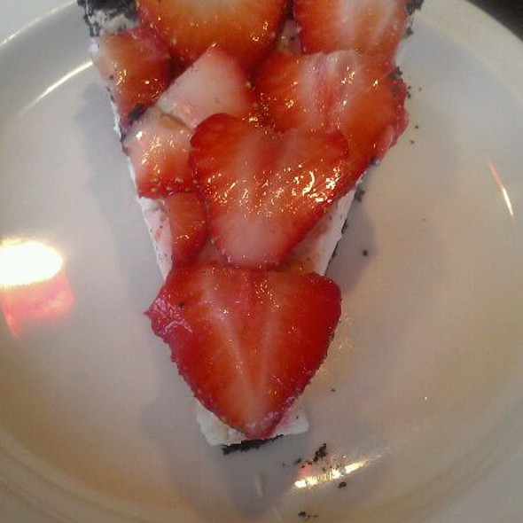 Vegan Strawberry Cheesecake @ Jayyid Harvest