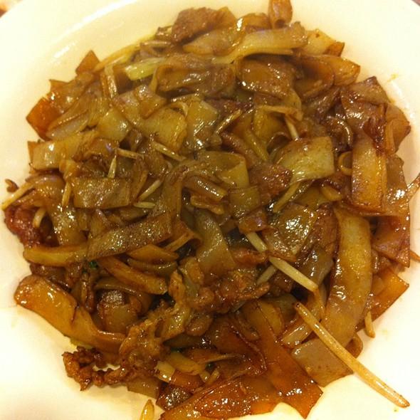 Beef Chow Fun @ Hing Fat Restaurant