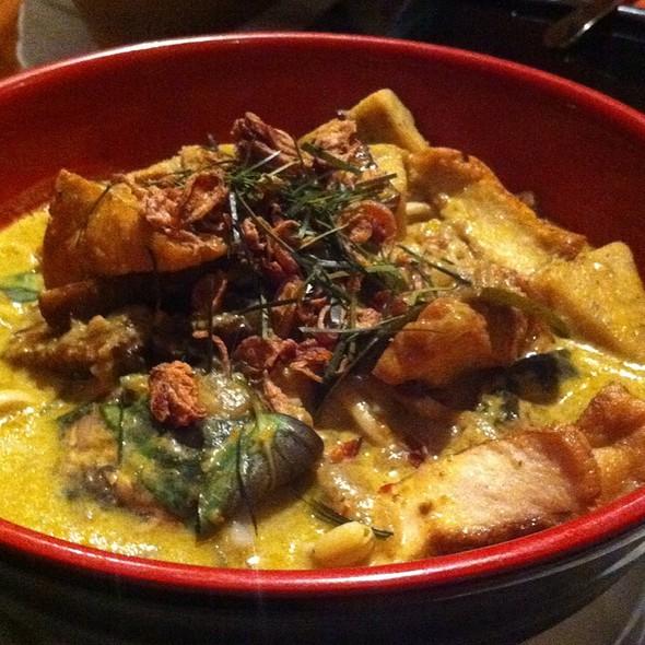 Green Curry Laksa @ Shakahari Vegetarian Restaurant