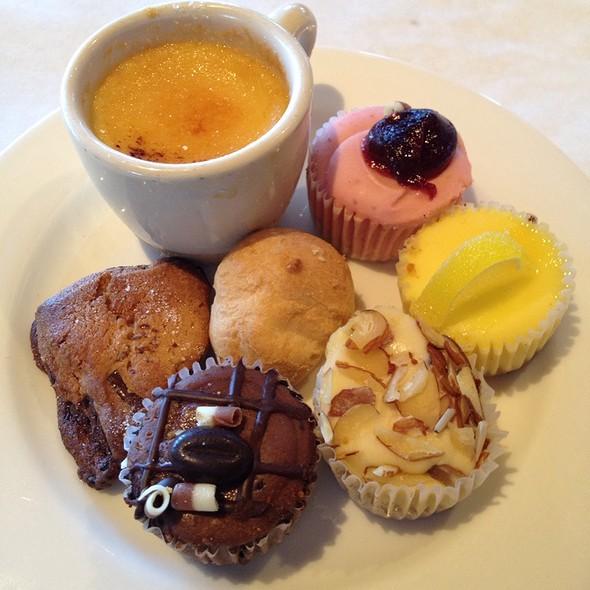 Dessert Plate At Sunday Brunch @ Rusty Scupper Restaurant