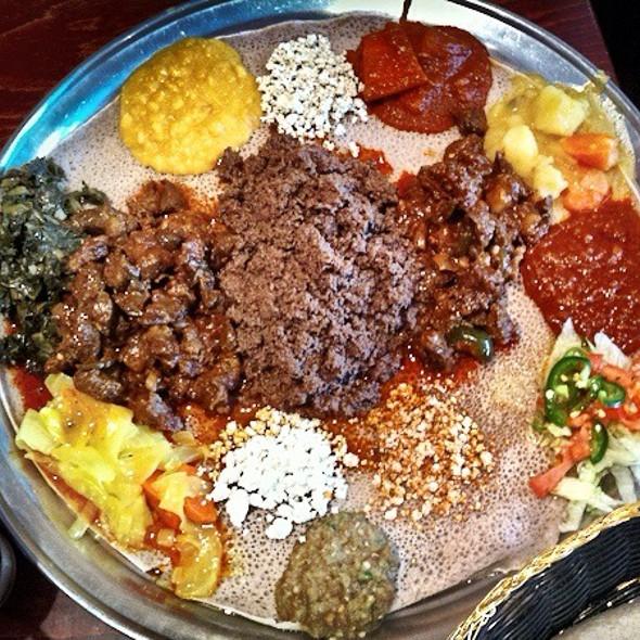 Ethiopian - Beef & Veggie Combo @ Etete