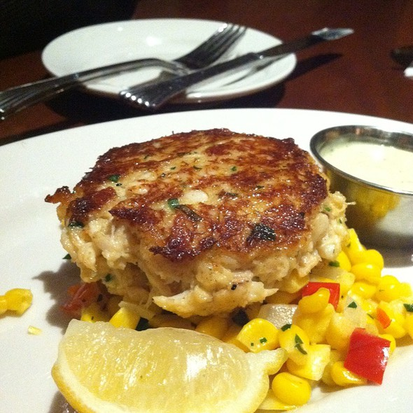 crab cake @ Columbus Fish Market
