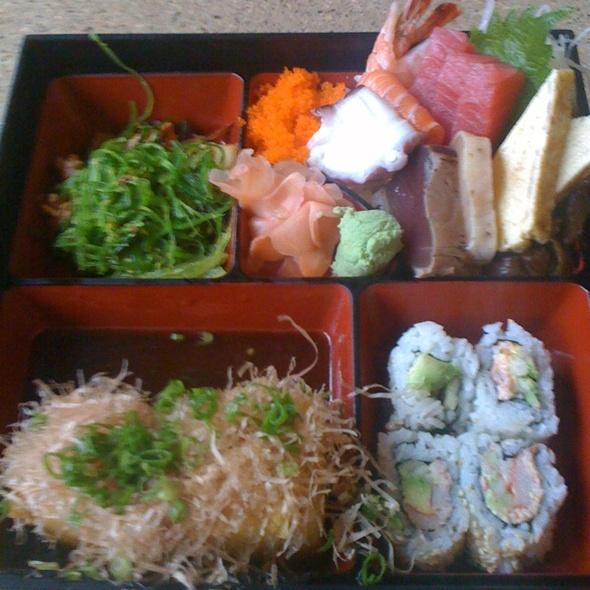 Chirashi-zushi Bento Box @ Sushi Zushi