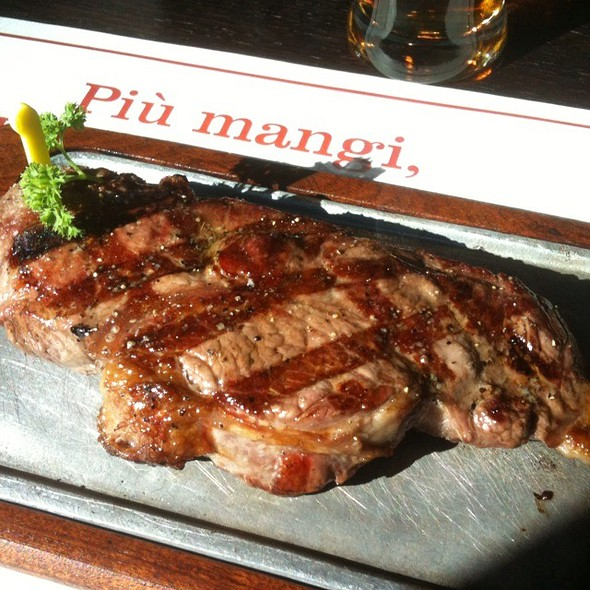 Grilled New York Strip @ Roadhouse Grill