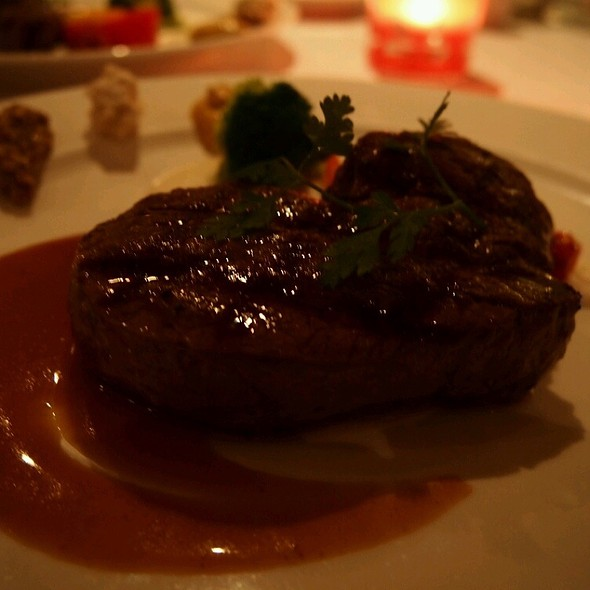 Grilled Fillet Mignon @ 華國大飯店-帝國牛排館
