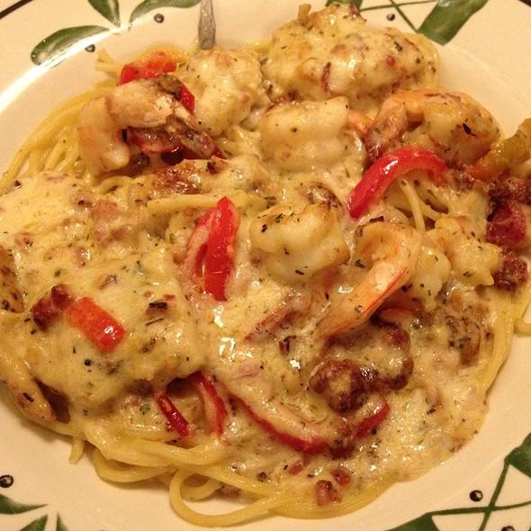 Olive garden chicken and shrimp carbonara foodspotting for Olive garden chicken and shrimp carbonara recipe