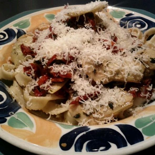 Capricciosa @ Biagio's Italian Kitchen, 1394 Richmond Rd, Ottawa, ON K2B 6R8