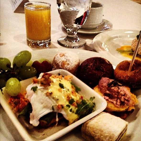 Breakfast Buffet @ The Fairmont Royal York