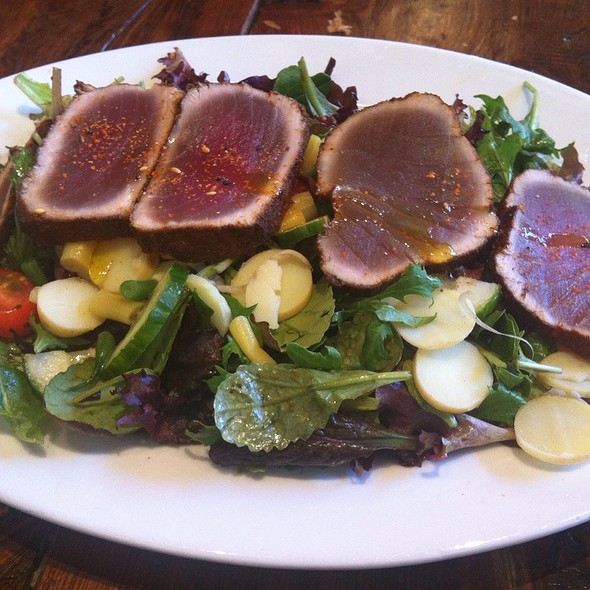 Seared Tuna Salad @ Creamery