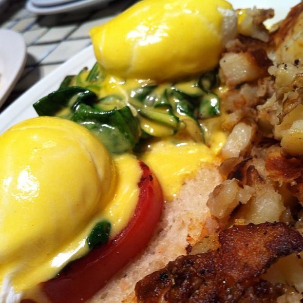 Egg Benedict @ Montclair Egg Shop