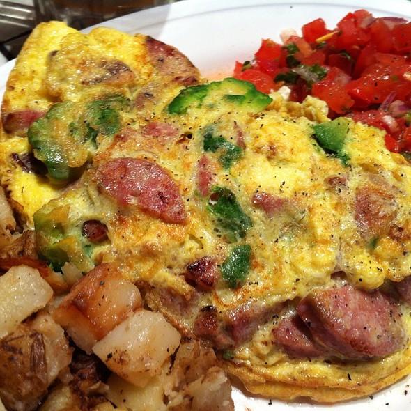 Custom Omelette W/ Pico De Gallo @ Montclair Egg Shop