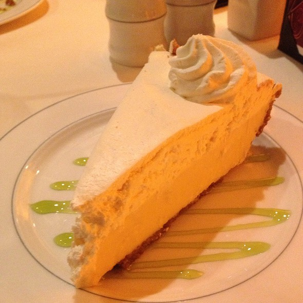 Key Lime Pie @ Mastergrill Steak House