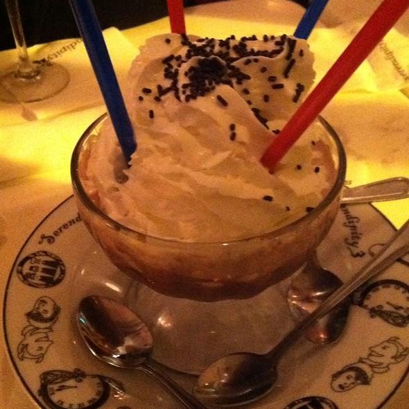 Frozen Hot Chocolate @ Serendipity 3