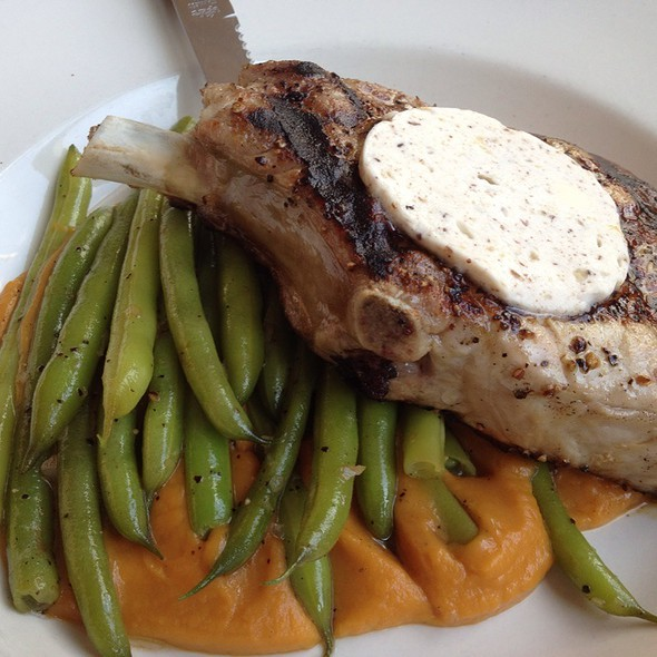 Grilled Porkchops @ Leon's Full Service