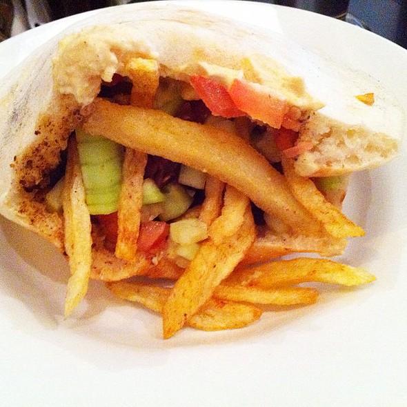 chicken & beef shwarma #instamood #mextagram #instagram #iphonography #yumm @ Alegra shawarma falafel grill
