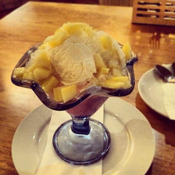 Mango Sago Jelly @ White Rajah Borneo Cafe