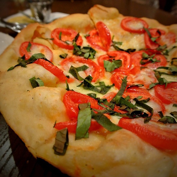 Magherita Pizza - Emeril's Italian Table at the Sands Casino Resort Bethlehem, Bethlehem, PA