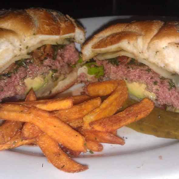 West Coast Burger - Michael Jordan's Steak House - Mohegan Sun, Uncasville, CT