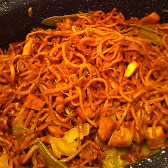 My Moms Chicken Lo Mein  @ Mi Casa