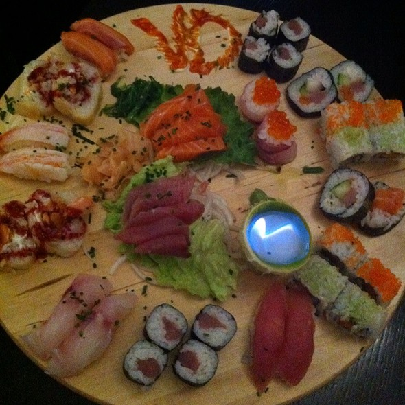Sushi Lovers' Platter For Two @ Rock 'n Sushi
