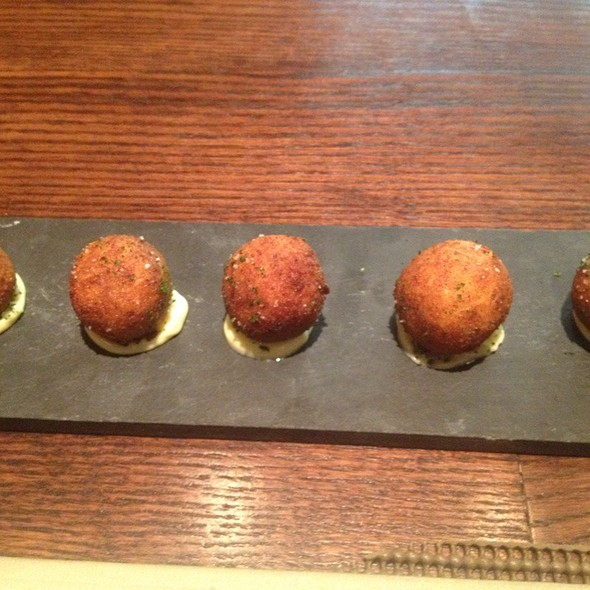 Crab croquettes @ BIN 555 Restaurant & Wine Bar