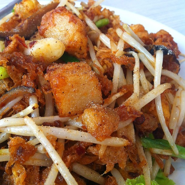 Fried Turnip Bean Sprout
