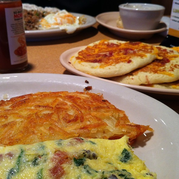 Popeye Omelette With Bacon Cheddar Pancakes @ Jimmys Egg